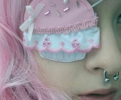 eye patch follow me: pinkfrostingrehab.blogspot.com