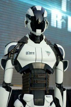 Robot (Será que veremos algo assim nas ruas na minha geração?)