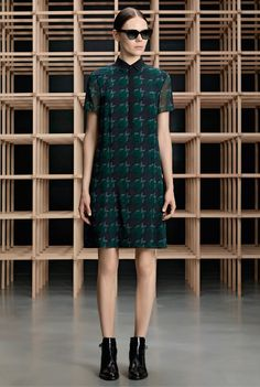 http://www.fashionsnap.com/collection/boss/woman/2015-16aw-pre/gallery/index10.php