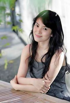 Asian Korean Beauty Song Hye-Kyo   ( 송혜교) showing her flawless white skin :)