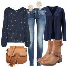 Schöner Freizeitlook aus Tunika, Strickjacke und Stiefeletten <3 #freizeit#frauen#outfit#look#inspiration#blau#braun