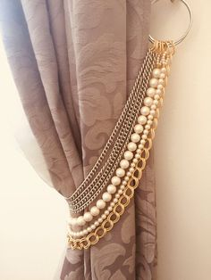 Silver and gold tieback, decorative curtain holder, tie back with gold and silver chains faux pearls, drapery holder, luxury home decor Handmade with LUMINOUS faux pearls and golden chains are like smart necklaces for your curtains! The listing is for 1 Living Room Decor Curtains, Home Curtains, Swag Curtains, Luxury Curtains, Luxury Home Decor, Luxury Homes, Diy Home Decor, Curtain Holder, Curtain Ties