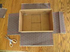 Really good tutorial or covering boxes with fabric. Really good tutorial or covering boxes with fabric. The post Really good tutorial or covering boxes with fabric. appeared first on Paper Diy. Cardboard Crafts, Fabric Crafts, Sewing Crafts, Sewing Projects, Cardboard Boxes, Cardboard Storage, Paper Storage, Sewing Toys, Diy Storage Boxes