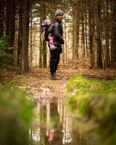 #MountsbergConservationArea has some amazing #familyfriendly #trails!  Visit soon!  #haltonconservation #haltonparks #mecstaffer #goodtimesoutside #hike #outdoors #nature #fall #autumn #reflection #family #friends #torontophotographer #burlingtonphotographer #snapscenephoto