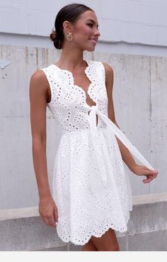 Festival Outfit Large white dress Grande Source by dresses classy Simple Dresses, Day Dresses, Cute Dresses, Dress Outfits, Casual Dresses, Short Dresses, Fashion Dresses, Summer Dresses, Cute Outfits