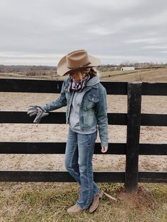 Western Outfits Women, Cute Cowgirl Outfits, Country Style Outfits, Southern Outfits, Rodeo Outfits, Country Fashion, Cute Casual Outfits, Country Wear, Country Life