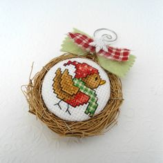 Winter Bird Birds Nest Ornament van SnowBerryNeedleArts op Etsy, $21.50