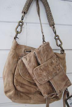 B I S K O P S G Å R D E N: Nya väskor