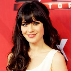 makes me wish i could pull off bangs