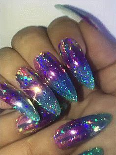 What you need to know about acrylic nails - My Nails Bling Acrylic Nails, Best Acrylic Nails, Bling Nails, Acrylic Nail Designs, Swag Nails, Fabulous Nails, Gorgeous Nails, Pretty Nails, Funky Nails