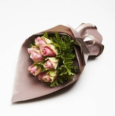 How To Wrap Flowers, Wrapping, Wraps, Rolls, Rap, Gift Packaging, Packaging, Wrapping Gifts, Wrap Gifts