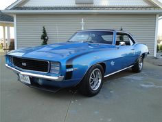 '69 Chevy Camaro ♥ ﻉ√٥ﺎ it~ good memories, mine was exact same color and everything minus the 396, had a 327 in mine☮