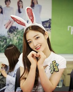 Eunjin is a bunny #DIACOMEBACK #DIA #HappyEnding #Eunjin