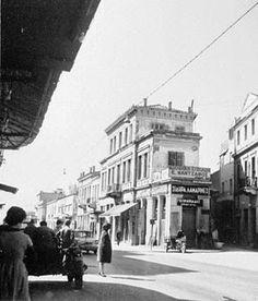 Old Photographs, Old Photos, Vintage Photos, Old Greek, Facade Design, Thessaloniki, Athens Greece, Crete, Back In The Day