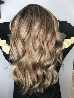 Strawberry Metallic Blonde Balayage Hair Balayage highlights Dimensional Blonde  Instagram.com/Gina_styles4u