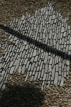 course interlay of patio materials- I love this if we can adapt the materials at hand...