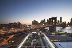 James Corner Field Operations Highlights New York's Skyline with Rooftop Garden,© Matthew Williams, Courtesy of Two Trees Management Company