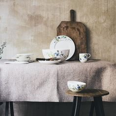 "Floral: Von Rosenthal: Geschirr ""Brillance"" in neuem Dekor ""Fleurs des Alpes"" Home Accessories, Porcelain, Handle, Plates, Mugs, Inspiration, Tableware, Furniture, Homes"