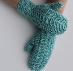 Ravelry: Claw Cable Mittens pattern by Tanya Lapatsina