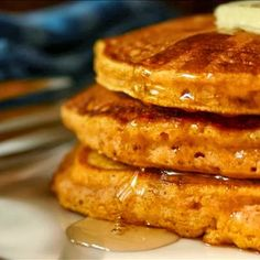 Low Carb Pumpkin Pancakes BATTER 2 large eggs ¼ cup water 1 tablespoon vanilla extract ½ cup almond flour (Bob's Red Mill sells it in your grocery store, I get mine at Trader Joes, MUCH cheaper) ¼ cup milled flax seed (available at WalMart) ¼ cup bulk sugar substitute (recommended: Splenda) 1 teaspoon baking powder ⅛ teaspoon salt 2 heaping teaspoons of pumpkin pie spice 1/3 cup canned pumpkin