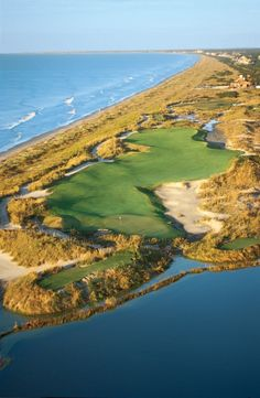 Kiawah Island Golf Resort Our Residential Golf Lessons are for beginners, Intermediate & advanced. Our PGA professionals teach all our courses in an incredibly easy way to learn and offer lasting results at Golf School GB www.residentialgolflessons.com