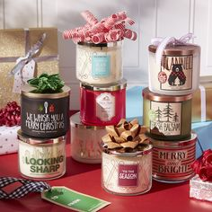 Bath & Body Works and single wick candles are made using the highest concentration of fragrance oils. Christmas Scents, Christmas Feeling, Christmas Candles, Cozy Christmas, Little Christmas, All Things Christmas, Christmas Time, Christmas Decorations, Xmas