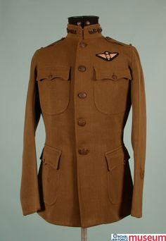 US Army Signal Corps Officer's jacket.    This jacket was worn by an officer in the Aviation Section of the United States Army Signal Corps, America's air force during the First World War. The United States entered the war in April 1917 after the Germans declared unrestricted submarine warfare, attacking American merchant ships and liners carrying American passengers.
