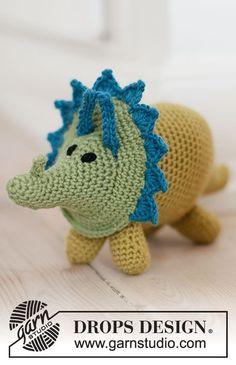 Free crochet pattern for a triceratops dinosaur Crochet Gratis, Crochet Amigurumi Free Patterns, Knitting Patterns Free, Free Knitting, Crochet Toys, Free Crochet, Drops Design, Yarn Organization, Dinosaur Pattern