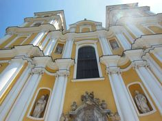 Graz: 7 atracciones para conocer la ciudad austriaca - EUROPEOS VIAJEROS Graz Austria, Mansions, House Styles, Home, Monuments, Getting To Know, Tourism, Europe, Cities