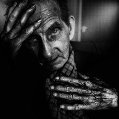 Black and white photography is powerful and emotional. UK-based photographer Lee Jeffries proves this point with his spectacular shots. Photography Career, Hand Photography, People Photography, Portrait Photography, Lee Jeffries, Black And White Portraits, Black And White Photography, Black And White People, Black White