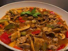 Żołądki w sosie myśliwskim - Blog z apetytem Polish Recipes, Polish Food, Ratatouille, Thai Red Curry, Food And Drink, Soup, Tasty, Beef, Cooking