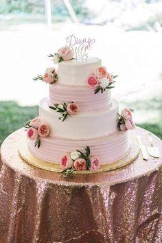 Flower pink rose gold wedding cake