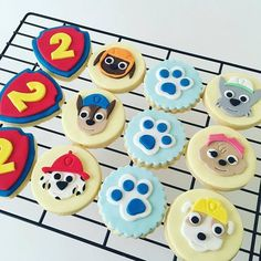 Paw Patrol cookies - Savvy Cakes by Lena (Sydney) Paw Patrol Cupcake Toppers, Paw Patrol Cupcakes, Paw Patrol Birthday Cake, Birthday Cookies, Bolo Do Paw Patrol, Torta Paw Patrol, Fondant Cookies, Cupcake Cakes, Cake Decorating Tips
