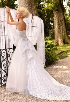 Villa Carlotta - Romantic Bridal Wedding Dress Collection