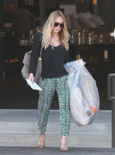 Hilary Duff wearing Ray-Ban 3025 Aviator Silver Mirror W3277 Louis ...
