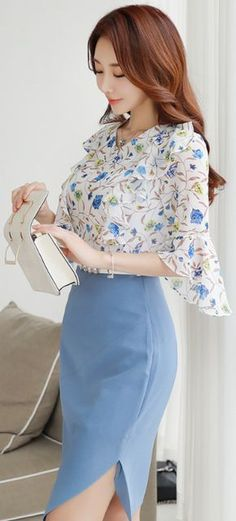 Sky Slit Sheath Skirt, snowy floral flared-sleeve blouse, persimmon smile, fair skin, chestlength auburn hair