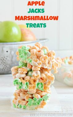 Apple Jacks Marshmallow Treats are easy no bake cereal bars made with Apple Jacks cereal and marshmallows Apple Jacks Marshmallow Treats - Apple Jacks Marshmallow Treats - a fun, easy no-bake recipe using Apple Jacks cereal and marshmallows Marshmallow Popcorn, Marshmallow Creme, Easy Baking Recipes, Cereal Recipes, Snack Recipes, Dessert Recipes, Paleo Cereal, Quinoa Cereal, Desserts