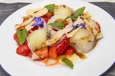 [Dessert] Salat von Erdbeeren, Käse und Basilikum
