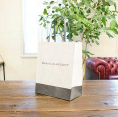 紙の風合いをいかした紙袋 shopper shop bag  package   紙袋 紙袋デザイン グラフィックデザイン デザイン ショッパー ショップバッグ ナチュラル ホワイト グレー
