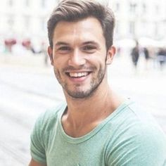 40 Complete Hairstyles for Men with Less Hair – Machovibes - New Site Short Haircuts Black Hair, Trendy Mens Haircuts, Latest Haircuts, Cool Haircuts, Teen Boy Hairstyles, Great Hairstyles, Hairstyles Haircuts, College Haircuts, College Hairstyles