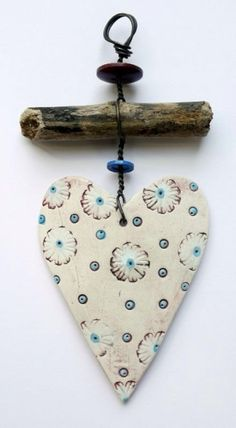 Wonderful Cost-Free air dry Clay hearts Concepts Delightful Hang Up – Heart 1 Clay Projects, Clay Crafts, Diy And Crafts, Arts And Crafts, Driftwood Crafts, Clay Ornaments, Air Dry Clay, Clay Creations, Clay Art