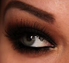 .I WISH I were bold enough to go with this look. Gorgeous