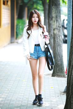 The Thinnest kpop idols Kpop Fashion, Korean Fashion, Fashion Outfits, Gfriend Sowon, Kpop Outfits, Sexy Asian Girls, Asian Woman, Kpop Girls, Korean Girl