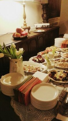We are expecting guests :-) Event Venues, Table Settings, Tasty, Place Settings, Tablescapes