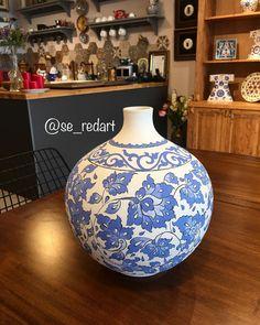 Slab Ceramics, Rustic Ceramics, White Ceramics, Spray Paint Ceramic, Ceramic Painting, Ceramic Vase, Chalk Paint, Blue Pottery, Vase Shapes