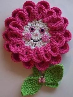 Crochet Pink Flower Potholder by Linda Weddle Crochet Home, Love Crochet, Crochet Motif, Beautiful Crochet, Crochet Crafts, Crochet Doilies, Crochet Stitches, Crochet Baby, Crochet Projects