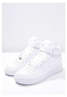 Nike Vans, Dr Shoes, Cute Nike Shoes, Swag Shoes, Hype Shoes, Nike Co, Nike Air Force High, Nike Air Force 1 Outfit, Nike Shoes Air Force