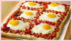 Add this dish to your weekend repertoire! Perfect for your Sunday brunch - Savoury Breakfast Pizza: Start with Pillsbury® refrigerated pizza crust for this fun breakfast pizza that features pesto, tomatoes, bacon and eggs. Breakfast And Brunch, Breakfast Pizza, Breakfast Recipes, Breakfast Cooking, Morning Breakfast, Breakfast Ideas, Vegetarian Breakfast, Breakfast Healthy, Health Breakfast