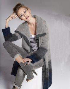✜ Fashion . Fabulous ✜ Sweater Warm and Fuzzy