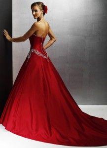 Vestido de novia rojo- este si me gusto , atrevida y sensual.